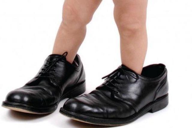 К чему снится одевать обуви