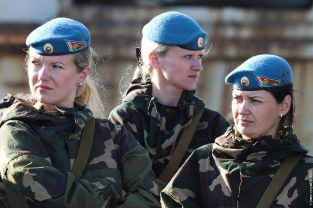 Как устроиться девушке на работу в армию в меня на работе влюбилась девушка