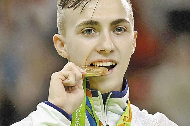 Золотая медаль придала вес и гаджету победителя.
