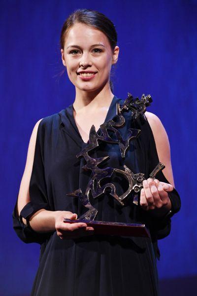 Актриса Пауля Бир получила специальный приз имени Марчелло Мастроянни за роль в драме «Франца» Франсуа Озона.