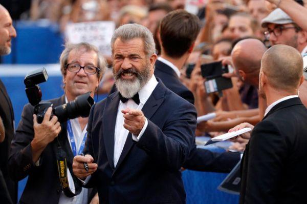 Мэл Гибсон представил в Венеции свою новую режиссерскую работу — военную драму «По соображениям совести».