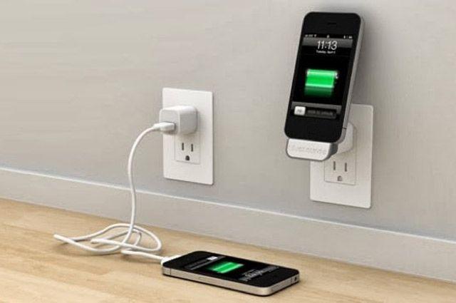 Не оставляйте мобильный телефон заряжаться на ночь.