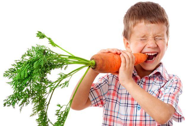 Пищевое поведение формируется в детстве, поэтому то, каким оно будет, зависит от питания в семье.