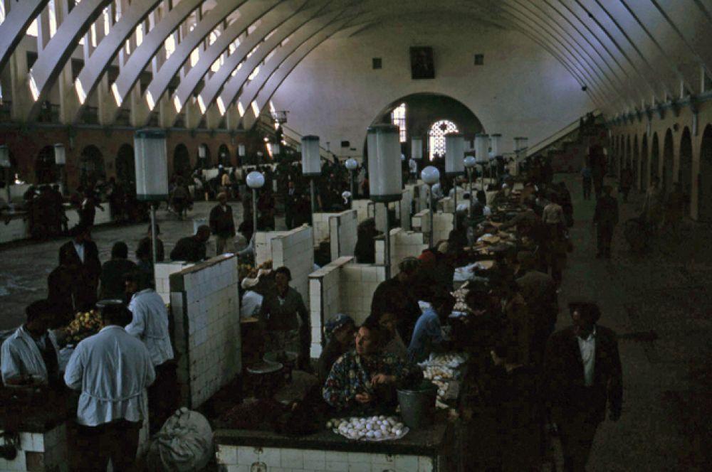 Рынок в Ереване.