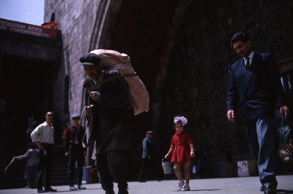 Улицы Еревана.