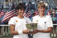 7 июня 1992 года : Наталья Зверева, победив во второй раз на Ролан Гарросе, завоевала свой первый титул победителя турнира WTA в паре с Джиджи Фернандес (США) и двадцать третий – в карьере.