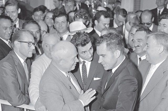 Р.Никсон не смог убедить главу СССР в преимуществе Запада.