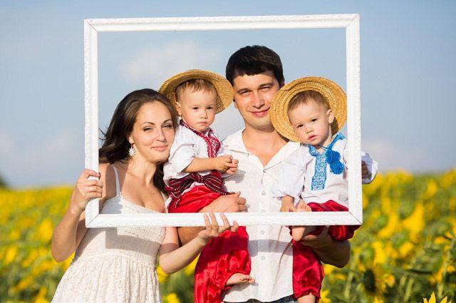 На первом месте - семья (98 процентов опрошенных).