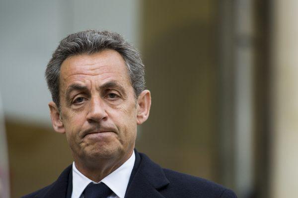 Н. САРКОЗИ, экс-президент Франции: «Я скажу британцам: вы вышли из ЕС, но мы обсуждаем новое соглашение, поэтому у вас есть возможность проголосовать снова. Я не могу принять потерю второй по величине экономики Европы». При победе на выборах главы государства в 2017 году Саркози обещает стать мессией и спасти ЕС от развала. Хотя у экс-президента уже был шанс.