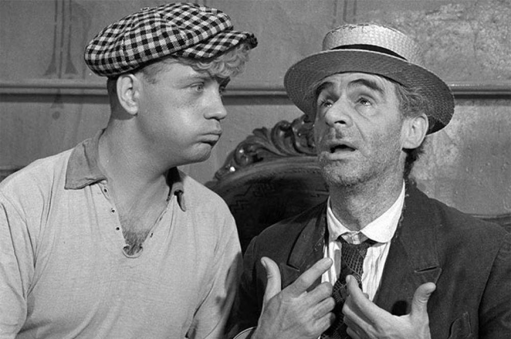 В 1968 году Леонид Куравлев сыграл Шуру Балаганова в экранизации «Золотого теленка». На фото вместе с Зиновием Гердтом, исполнившим роль Паниковского Михаила Самуэлевича.