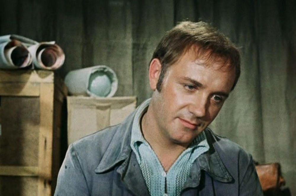 В 1975 году Леонид Куравлев сыграл главную роль в комедии «Афоня» (реж. Георгий Данелия), которая стала лидером советского кинопроката в тот год. За 12 месяцев фильм посмотрело 62,2 млн зрителей.