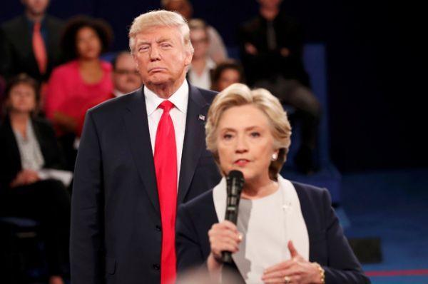 Дональд Трамп во время полемики был сдержан и спокоен.