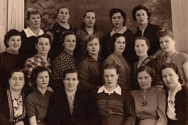 Родительский комитет школьников, г. Осиповичи, 1958 год.