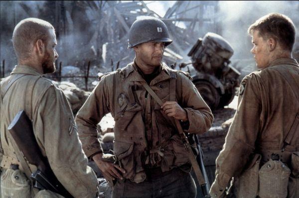 Последующие роли только укрепляли актёрский успех Хэнкса и получали одобрение кинокритиков. Так, в 1998 году Хэнкс исполнил главную роль в военной драме «Спасти рядового Райана».