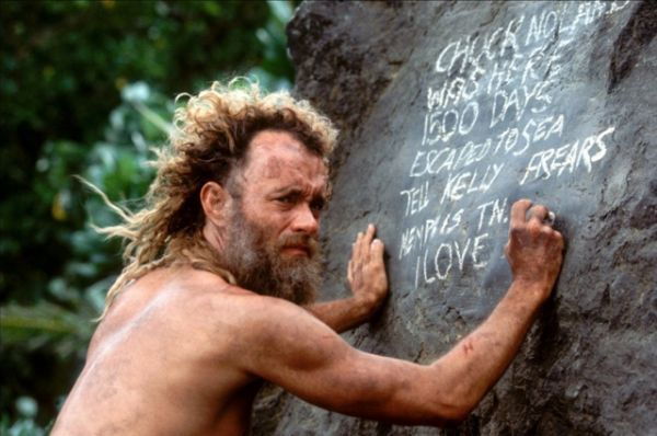 В ленте «Изгой» (2000 г.) Хэнкс сыграл Чака Ноланда, инспектора службы доставки авиакомпании FedEx, который после крушения оказывается на необитаемом острове в Тихом Океане.