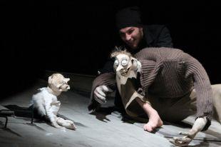 Иностранных критиков впечатлил спектакль «На дне» Могилевского театра кукол.