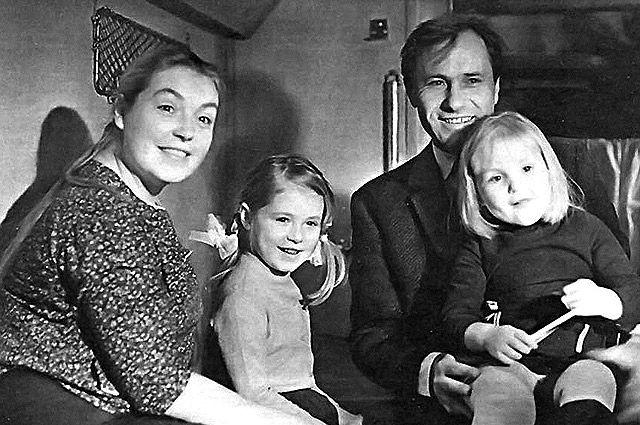 Василий Шукшин был счастлив в браке с Лидией.