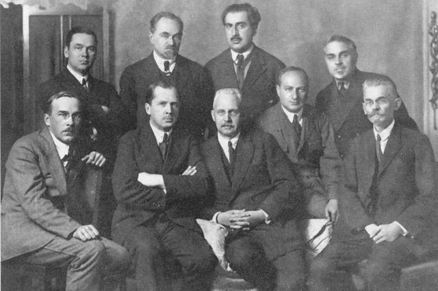 Николай Муравьев с помощниками-адвокатами.