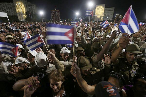 3 декабря в Сантьяго-де-Куба на площади Антонио Масео состоится массовый митинг, а 4 декабря в 7 утра по местному времени прах будет захоронен на кладбище святой Ифигении.