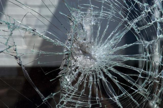 ВБарановичах россиянин-безбилетник разбил ветровое стекло автобуса