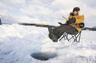 Собираясь на рыбалку, следите за прогнозом погоды.
