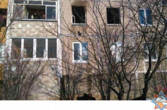 Напожаре вМинске погибли две женщины, изсоседних квартиры спасли пятерых