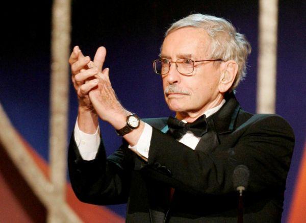 15 сентября на 89-м году жизни скончался известный драматург, автор пьесы «Кто боится Вирджинии Вулф?» Эдвард Олби.
