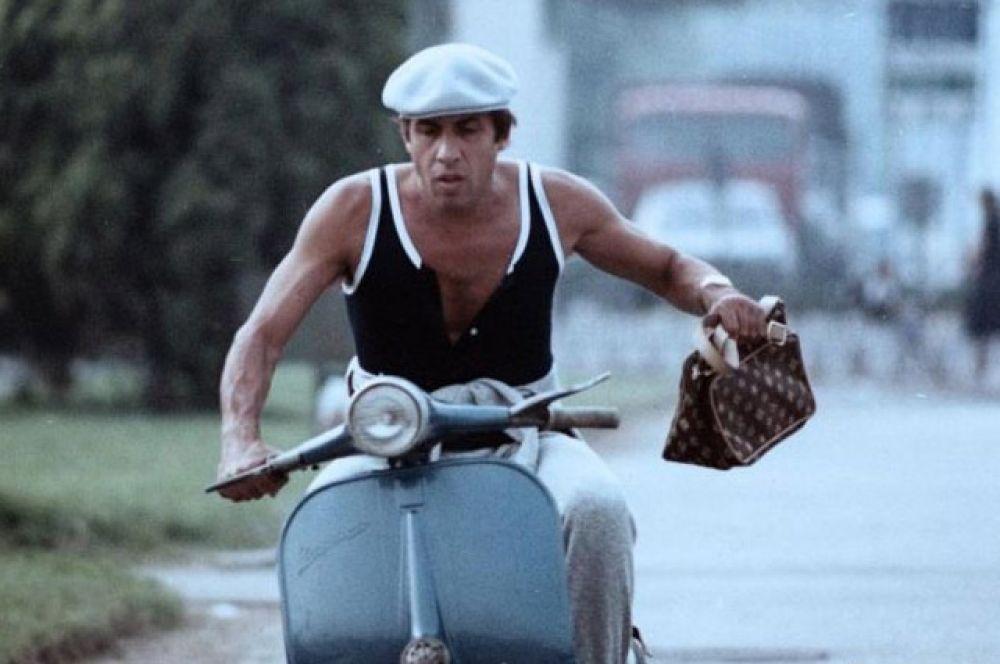 С 1978 году Челентано сотрудничал с режиссёрским дуэтом Кастеллано и Пиполо — в общей сложности он снялся в восьми их фильмах. Их наиболее известные совместные работы: мелодрама «Бархатные ручки» (1979 г.),