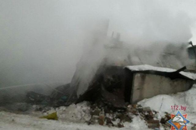 ВМачулищах в итоге взрыва разрушены шесть гаражей