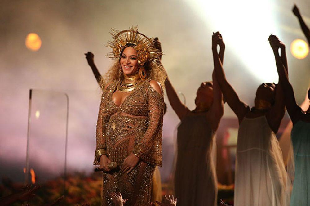 Бейонсе выиграла в номинациях «Лучший альбом в жанре современной городской музыки» (Lemonade) и «Лучшее музыкальное видео» (на песню Lemonade).