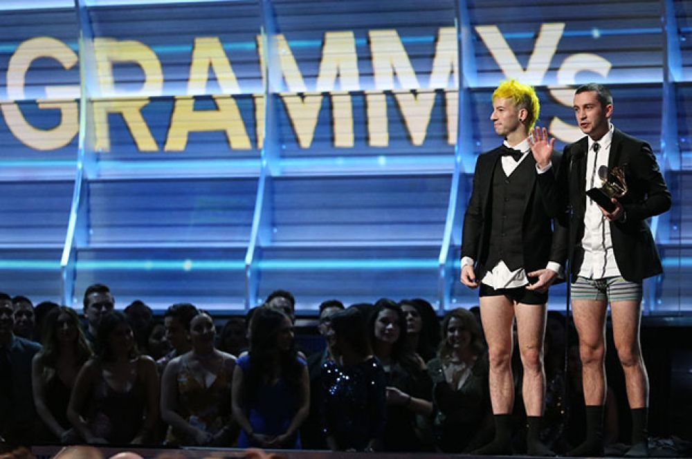 В номинации «Лучшее поп-исполнение дуэтом или группой» победили Twenty One Pilots.