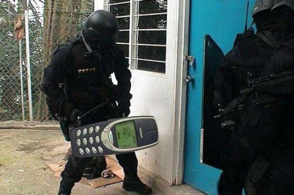 Спецназ использует Nokia 3310 в своих операциях.