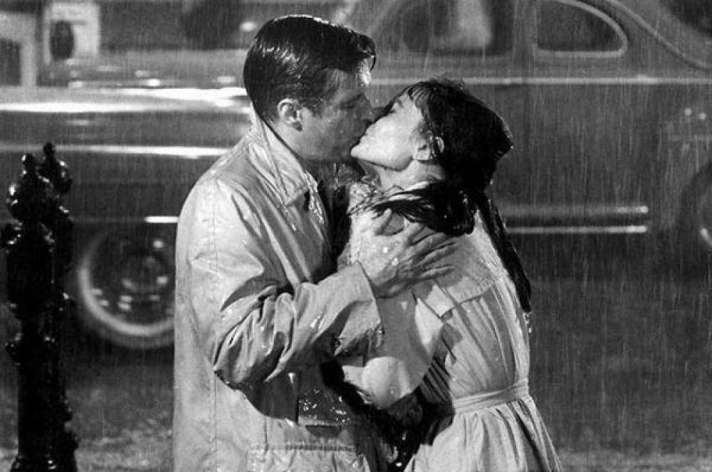 8 место – поцелуй из фильма «Завтрак у Тиффани».