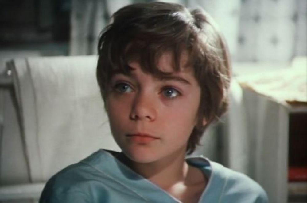Наталье Гусевой, сыгравшей в «Гостье из будущего» Алису Селезнёву, сегодня исполняется 42 года, но на момент съёмок ей было всего 12 лет.