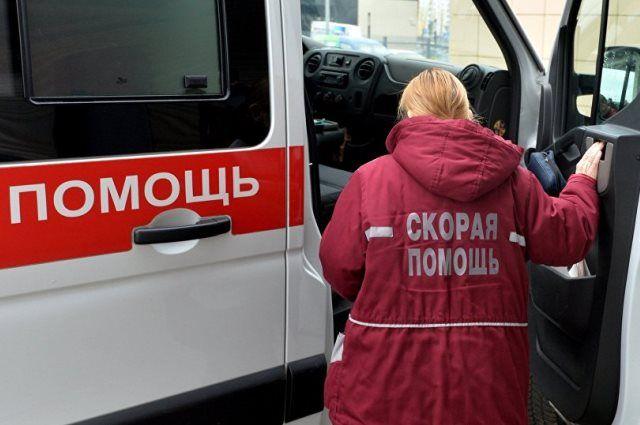 ВПолоцке «скорая» приехала спасать мужчину, аон поломал автомобиль