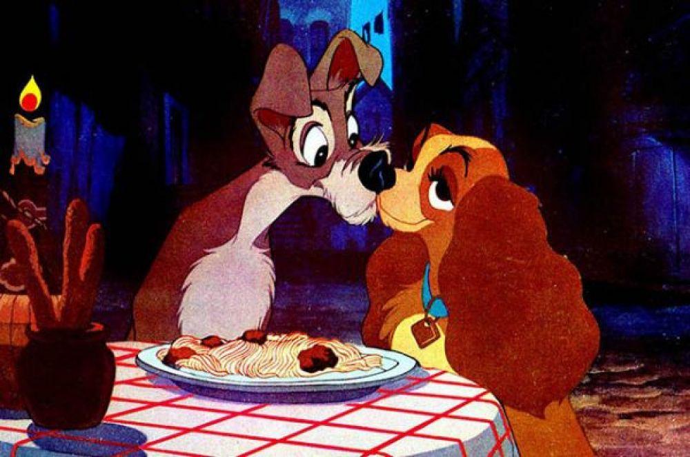 2 место – поцелуй со спагетти из мультфильма «Леди и Бродяга».