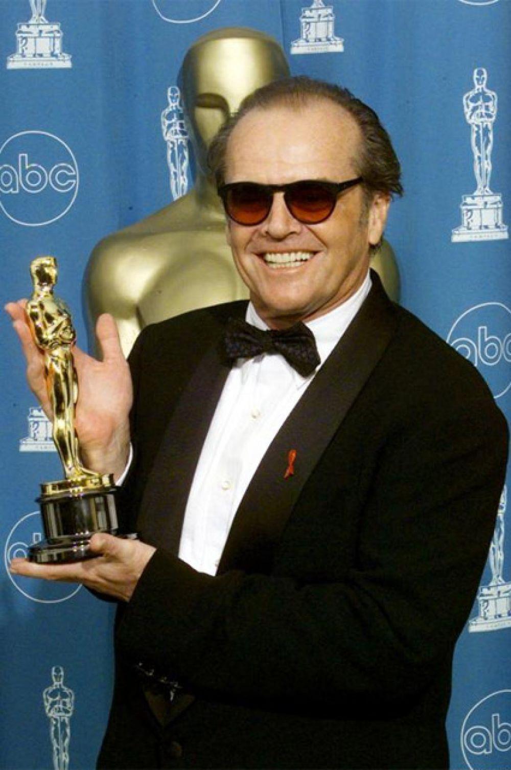 Больше всего актерских номинаций (среди мужчин): Джек Николсон номинировался на «Оскар» 12 раз.