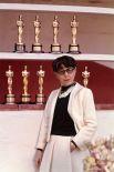 Наибольшее количество «Оскаров» (среди женщин): 8 наград у дизайнера костюмов Эдит Хэд.