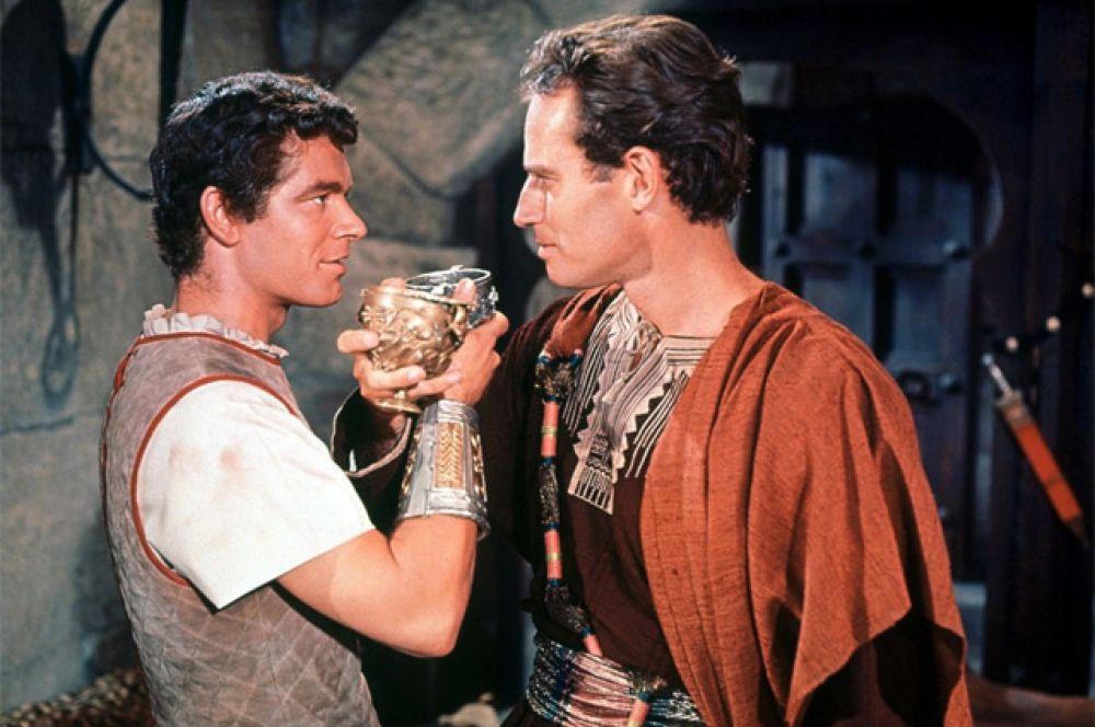 Фильмы, получившие наибольшее количество «Оскаров»: всего три фильма в истории «Оскара» — «Властелин колец: Возвращение короля» (2003 г.), «Титаник» (1997 г.) и «Бен-Гур» (1959 г.; на фото) — получали по 11 наград.