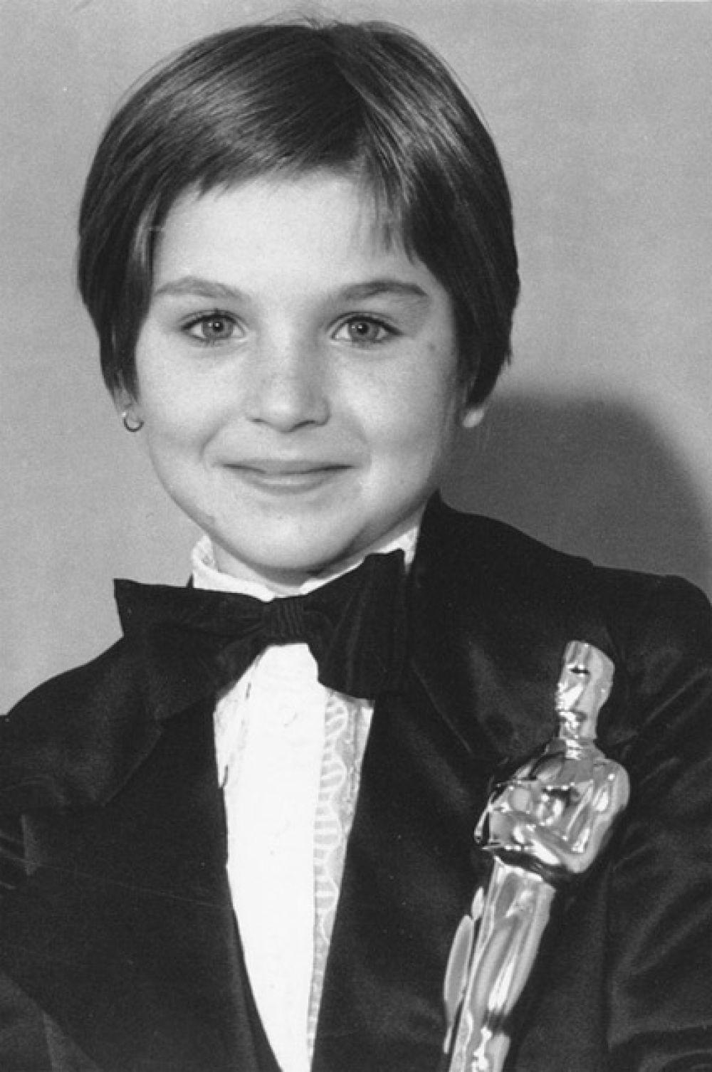 Самый молодой лауреат«Оскара»: актриса Татум О'Нил получила «Оскар» за лучшую женскую роль второго плана в фильме «Бумажная луна» (1973 г.) в возрасте 10 лет.