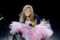 Россию должна была представлять певица Юлия Самойлова, однако власти Украины запретили ей въезд в страну на три года.