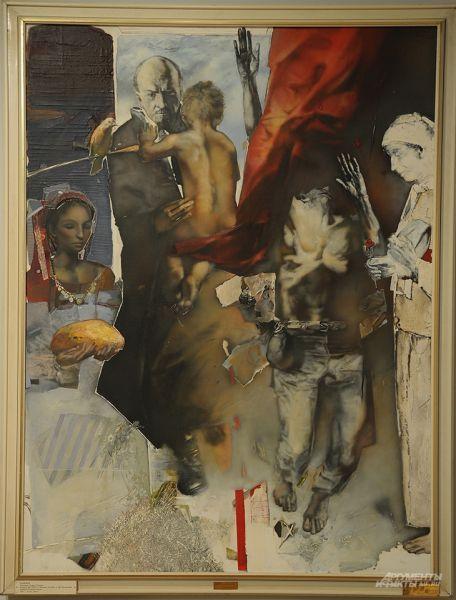 Самый трогательный экспонат. Называется «Надежда», автор Теофан Сокеров из Болгарии. При желании можно усмотреть кощунство – как же, Ленина изобразили почти как Мадонну! Возможно. Но зато – какова сила ленинского мифа!