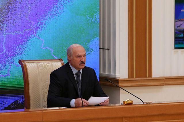 Лукашенко: Никаких сложностей в Беларуси для граждан России сегодня нет