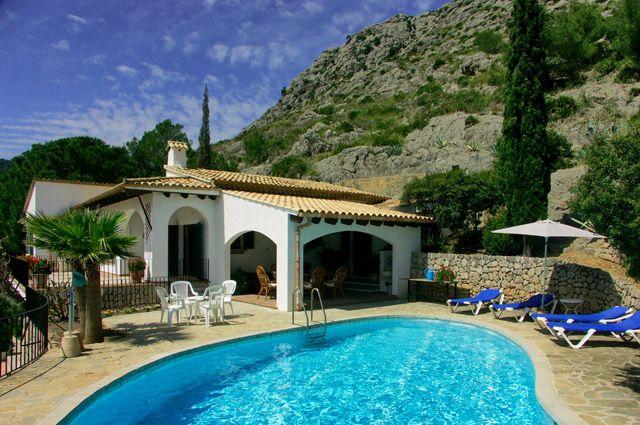 Домики в Испании пользуются особым спросом.