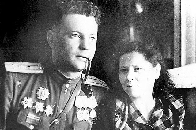 Иван Фёдоров после Победы вместе с женой Анной Бабенко.