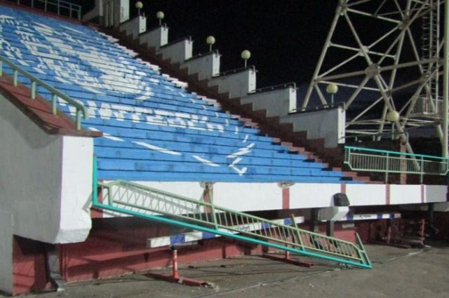 Обрушение пролета ограждения настадионе вВитебске: госпитализированы вбольницу два человека