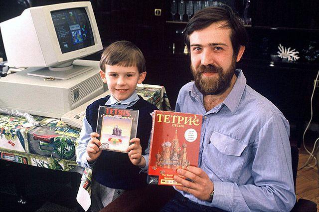 Создатель «Тетриса» Алексей Пажитнов с сыном, 1981 г.