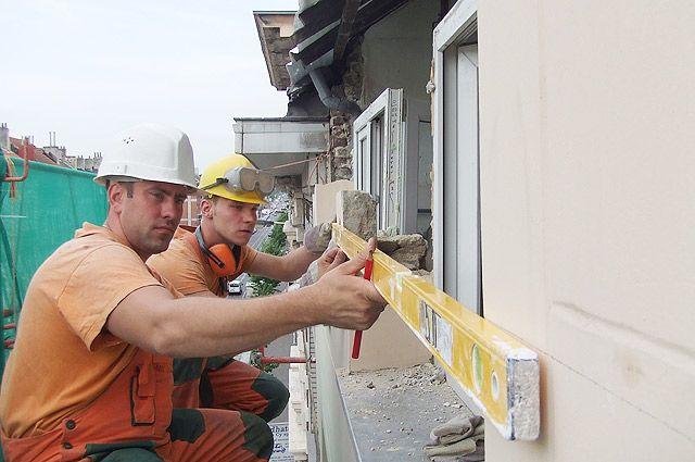 В Германии еще в конце 90-х годов научились делать капремонт за 5 рабочих дней без отселения жильцов.