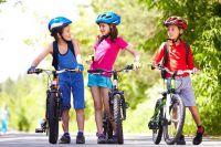 Детям до 14 лет нельзя ездить на велосипеде по проезжей  части.