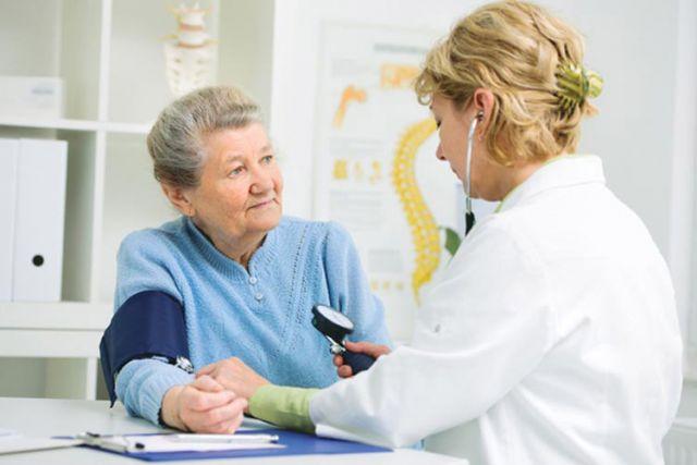 Если плохо, вместо поездки на дачу сходите к врачу.